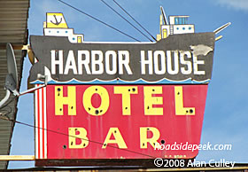 Harbor House Hotel